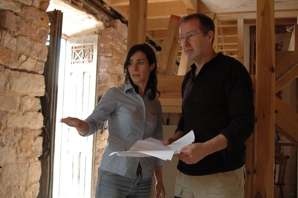 Abraza la tierra: Esther y Neil en el taller